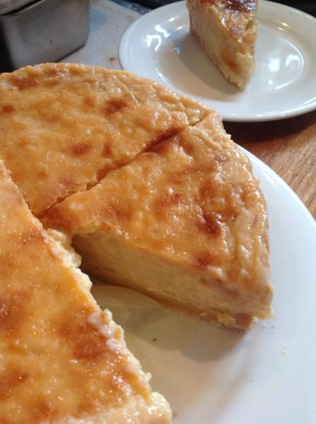 りんごベースのカスタードクリームチーズケーキ