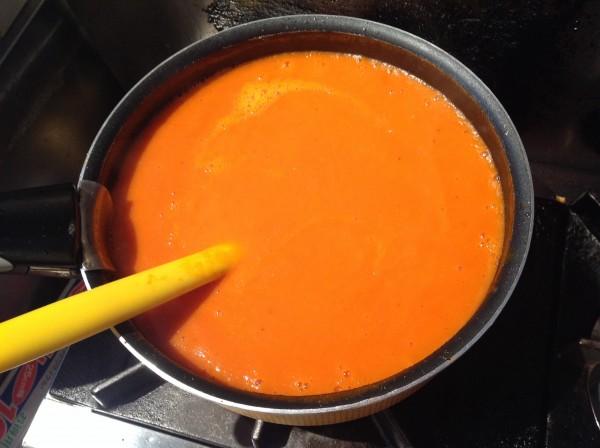 トマトの温かいスープ